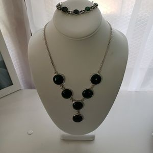 Jewelry - Y Shaped Green Stone Antique Silver Necklace Set